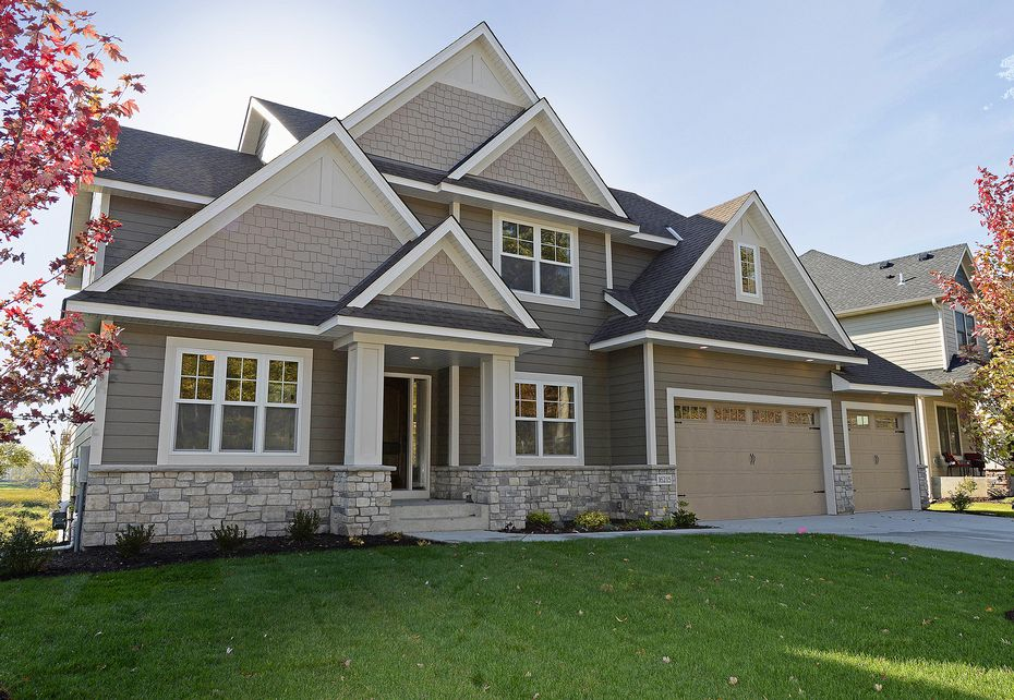 Hardie siding installation by siding vancouver for Home exterior options