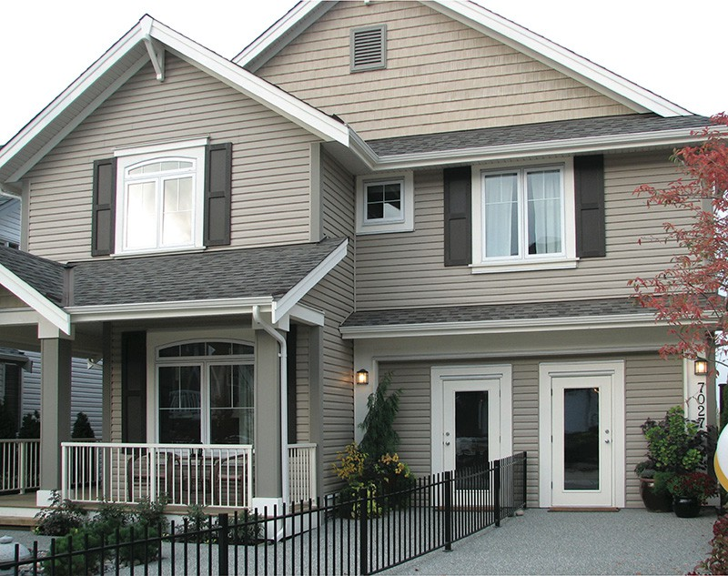Homeowners Typically Prefer Vinyl Siding Not Just For Its Durability But Also Beauty It Comes In Many Diffe Colors And Textures